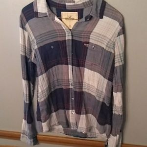 Hollister button up plaid shirt Medium